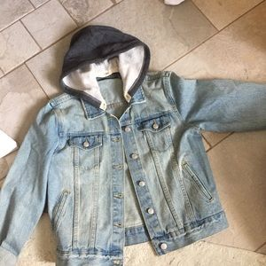 NWOT brandy Melville hooded denim jacket